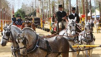 Ambiente del Real en martes de Feria