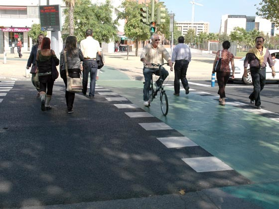 Algunos puntos negros del tráfico para peatones