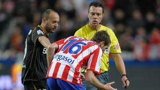 Chevantón separa a Gerard tras un enfrentamiento con Navas.  Foto: Felix Ordo?