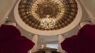 Lámpara de una de las salas del hotel.  Foto: Jaime Martinez