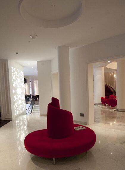Uno de los múltiples estilos de los muebles del Colón.  Foto: Jaime Martinez
