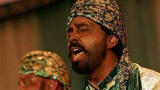 Mucha fuerza y pasión en la interpretación de los gitanos en La tribu del compás.  Foto: Lourdes de Vicente