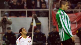 Acosta se lamenta de la falta de puntería de su equipo.  Foto: Manuel Gómez