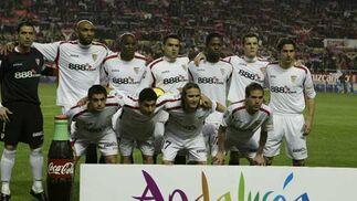 Foto para la prensa de los jugadores del Sevilla.  Foto: Antonio Pizarro