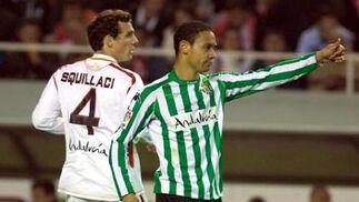"""Squillaci y Oliveira, que felicita a """"uno de los suyos"""".  Foto: Manuel Gómez"""