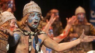 Músicas celtas y tipo de guerreros escoceses para el coro de Cárdenas.   Foto: Jesus Marin