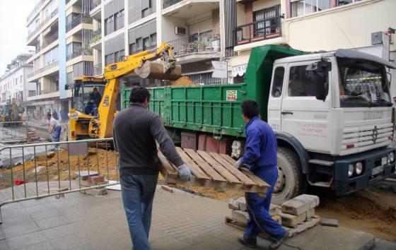 La calle Niebla es una de las primeras donde han comenzado las obras de reurbanización.  Foto: Belén Vargas