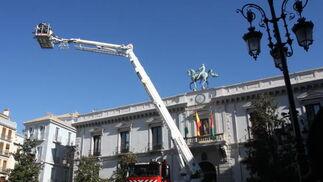 El coche ha sido presentado esta mañana en la Plaza del Carmen  Foto: Mar?de la Cruz / Esther Falc?