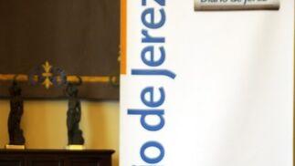 El director de la Agencia Andaluza para el Desarrollo del Flamenco, Francisco Perujo, estuvo acompañado en la mesa de presentación por la directora del Centro Andaluz de Flamenco, Olga de la Pascua, el director de Diario de Jerez, David Fernández y el director de Extramuros, Manuel Iglesias.  Foto: Manuel Aranda
