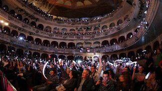 El cuarteto de Gago consiguió iluminar el Gran Teatro Falla.   Foto: Jesus Marin/Jose Braza