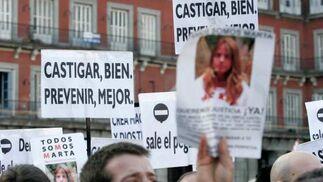 Numerosos carteles piden justicia.  Foto: Juan Carlos Vázquez / Alberto Morales