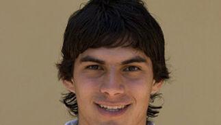 PEROTTI(medio) Edad:21 años Temp. en el club:2ª Goles en 08-09:1 Contrato hasta: 2014