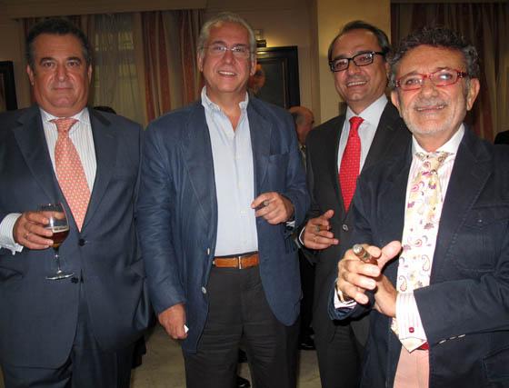 José María Olmedo (Cruzcampo); Jacinto León (Leglez); Javier Prieto, gerente de Diario de Sevilla, y Miguel Vilaplana, consejero del Sevilla FC.  Foto: Victoria Ramírez