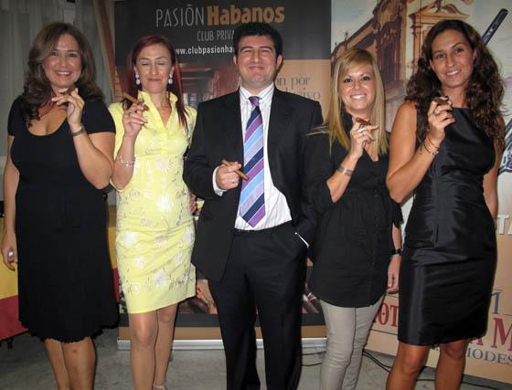 Águeda del Toro, Lourdes Pérez del Toro, Tomás Ledesma, Verónica Núñez y Raquel del Toro, de Casa Modesto.  Foto: Victoria Ramírez