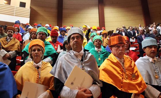 Asistentes al acto.   Foto: Migue Fernandez