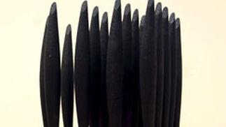 'Black Alphabet 2008', de la artista británica Lucy Skaer.  Foto: efe