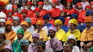 Una buena representación de los doctores de la UMA han estado presentes en el acto de apertura de curso.  Foto: Migue Fernandez
