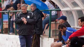 Nico Sosa se vio obligado a cambiar a Bornes, que se retiró con molestias, dando entrada a González  Foto: L. O. F