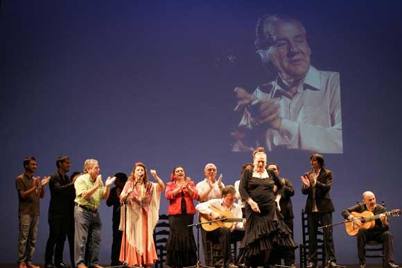 Artistas, amigos y aficionados se reunieron para recordar al conocido como padre del compás.  Foto: Lourdes de Vicente