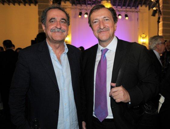 Los hermanos Fermín y Paco Lobatón, que fue el encargado de presentar el acto del 175 aniversario de Cajasol.