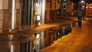 En la esquina de Pages del Corro con San Jacinto el agua se almacenó bastante  Foto: Juan Carlos Mu?