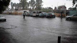 Las calles de la barriada Pedro Salvador eran casi ríos  Foto: Juan Carlos Mu?