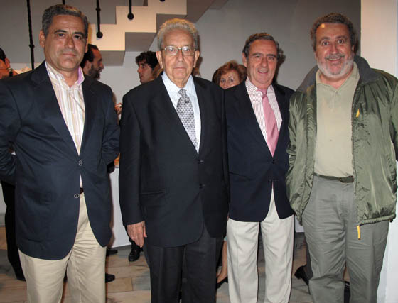 Felipe Callejo, director regional de Espacio; José Ignacio Moreno, Jorge Fleming y Manuel Mojarro, voluntarios del BAS.  Foto: Victoria Ramírez