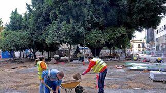 Casi la mitad de la plaza se encuentra ya peatonal  Foto: Juan Carlos V?uez