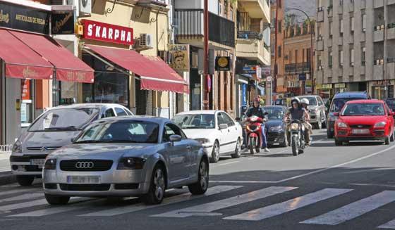 Tráfico intenso en Pagés del Corro.  Foto: B.Vargas