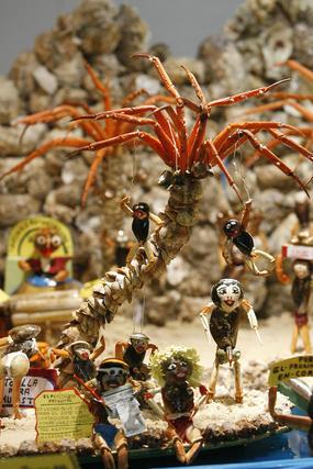 El Mercado Municipal Virgen del Rosario acoge la tradicional muestra de Tosantos.   Foto: Joaquin Pino