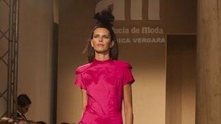 Colección de Verónica Vergara para el V Certamen Noveles, 6ª Edición Andalucía de Moda.  Foto: J. M.