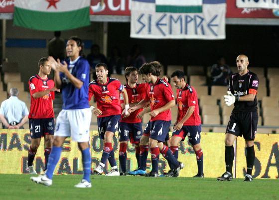 Dos graves errores defensivos propiciaron los goles de Sergio y Dady en sólo cuatro minutos.  Foto: Pascual