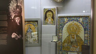 Retablos cerámicos de la Virgen de la Macarena.  Foto: Jose Ángel García
