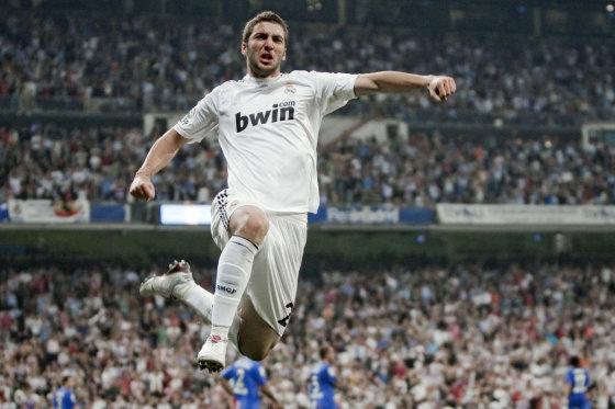 Higuaín celebra su primer gol ante el Getafe. / EFE