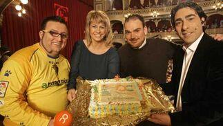 Los presentadores de Onda Cádiz en un momento de la sesión clasificatoria  Foto: Jesus Marin / Lourdes de Vicente
