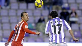 Un Almería en superioridad cede el empate a diez minutos del final. / Reportaje gráfico de Diario de Almería y EFE