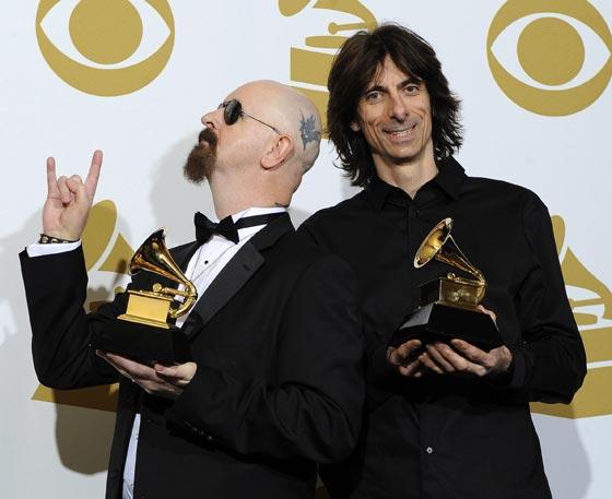 Dos integrantes del grupo de 'heavy-metal' Judas Priest. / Efe