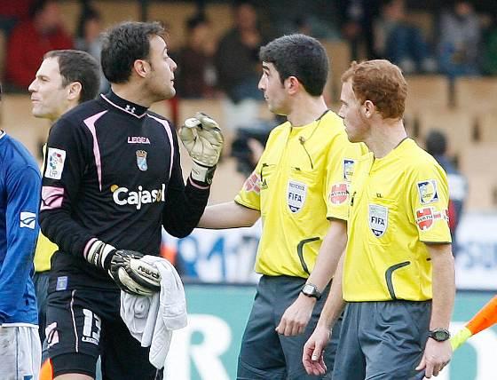 """Renan comentó después del encuentro que """"en la jugada del penalti me hicieron falta antes y por eso protesté""""  Foto: Pascual"""