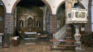 La iglesia de La Concepción de Santa Cruz de Tenerife, inundada tras desbordarse el barraco de Santos por las intensas lluvias.  Foto: Cristóbal García (Efe)