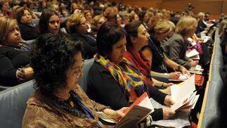Atención de las asistentes durante el acto  Foto: Joaquin Hernandez 'Kiki'