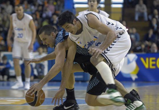 El pívot Trigueros de lo más involucrado que está el equipo esta temporada.  Foto: Manuel Gómez