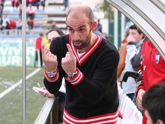El Lucena se lleva tres puntos y el Granada vuelve a peder fuera de casa. / Larrea