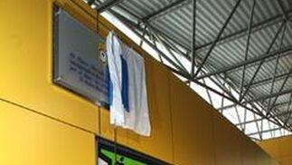 Placa conmemorativa del estreno del mercado.  Foto: Espínola