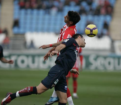 Victoria épica para el Almería que jugó en inferioridad y remontó. / Javier Alonso