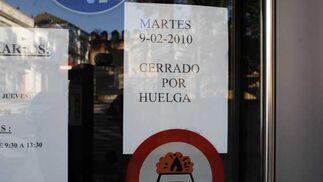 Establecimientos cerrados por la huelga  Foto: Aguilar