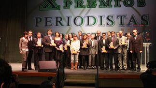 Foto de familia de los premiados en la Gala de la FPDA.