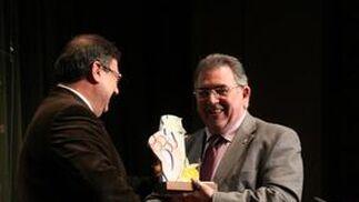 Premio al Unicaja Almería de voleibol (gesta deportiva).
