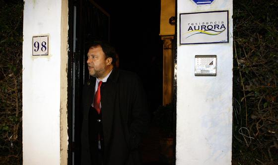 El alcalde visitó el lugar varias horas después del incidentes.  Foto: Antonio Pizarro / EFE