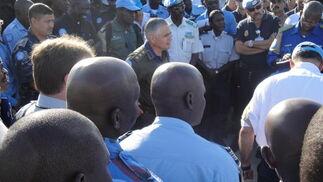 Reunión con el nuevo police commissioner (general de la Gendarmeria argentina).