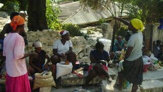 En las calles hay multitud de puestos de venta de comida.